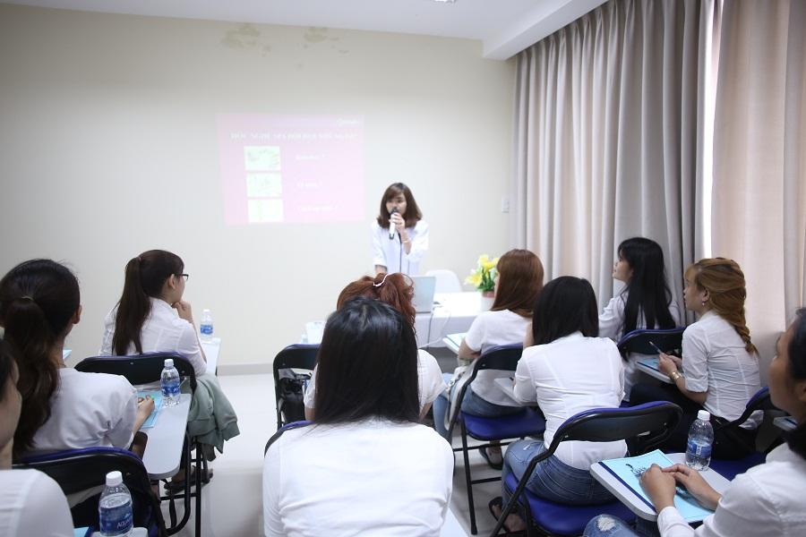 Khóa học chăm sóc da cơ bản tại Hà Nội